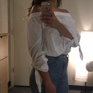 White off the shoulder top w/ bow sleeve